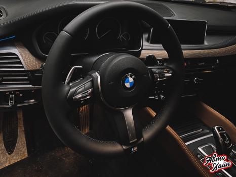 BMW X5. Перетяжка руля и центрального тоннеля, аквапринт _2