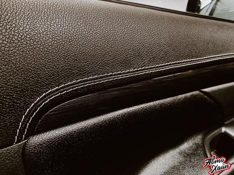 Mitsubishi Outlander. Перетяжка торпедо, дверей, ручки АКПП_10