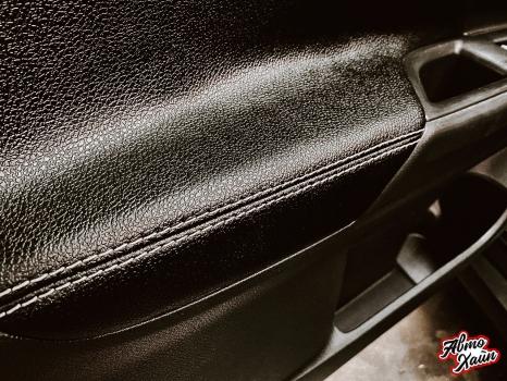 Mitsubishi Outlander. Перетяжка торпедо, дверей, ручки АКПП_1