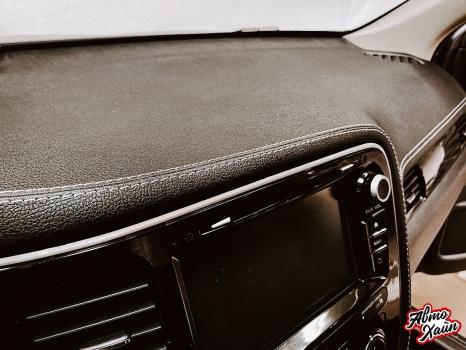 Mitsubishi Outlander. Перетяжка торпедо, дверей, ручки АКПП_4