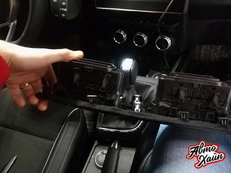 Renault Arkana. Антискрип торпедо_2