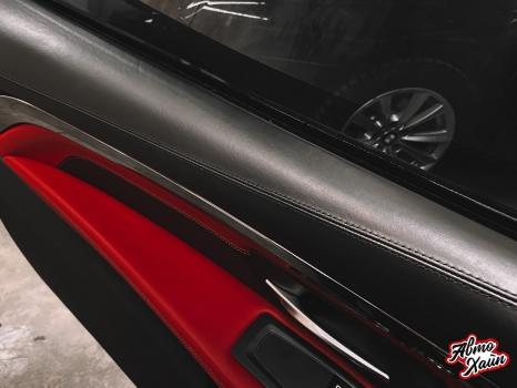BMW M4. Перетяжка руля, реставрация кожи, антискрип дверей и торпедо _10