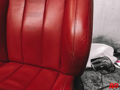 BMW M4. Перетяжка руля, реставрация кожи, антискрип дверей и торпедо _1