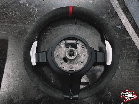 BMW M4. Перетяжка руля, реставрация кожи, антискрип дверей и торпедо _6