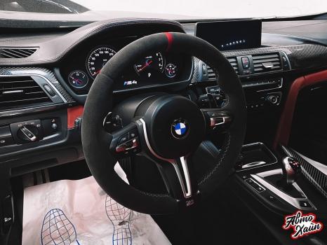 BMW M4. Перетяжка руля, реставрация кожи, антискрип дверей и торпедо _7