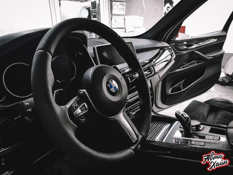 BMW X5. Аквапринт, перетяжка руля_7