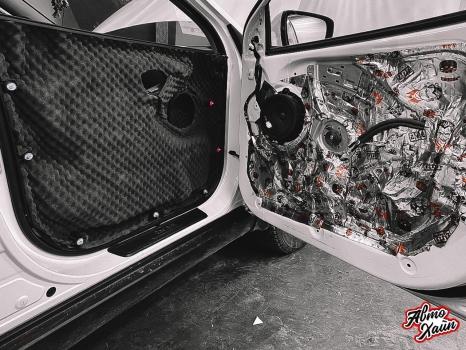 Hyundai ix35. Шумоизоляция, перетяжка сидений_4