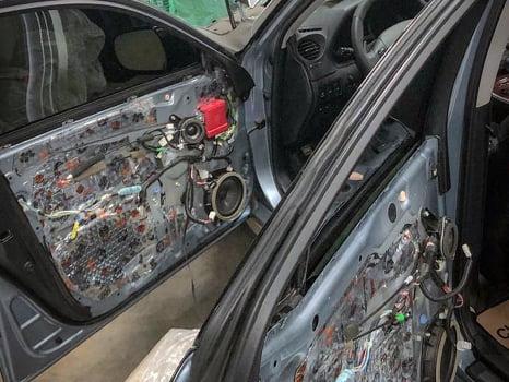 Lexus IS250. Шумоизоляция дверей_4