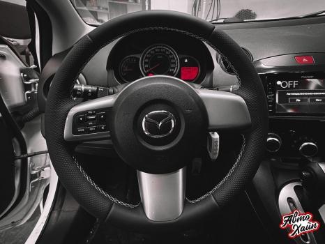 Mazda 2. Установка обогрева и перетяжка руля_2