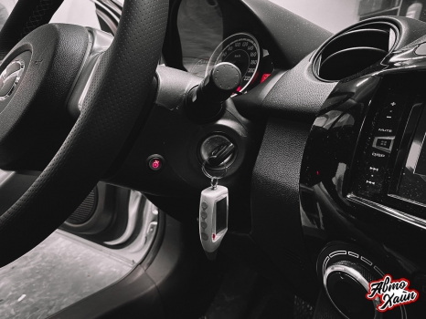 Mazda 2. Установка обогрева и перетяжка руля_3