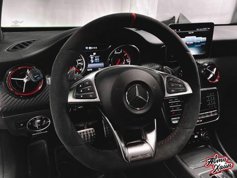 Mercedes-AMG A 45. Перетяжка руля с установкой обогрева _5
