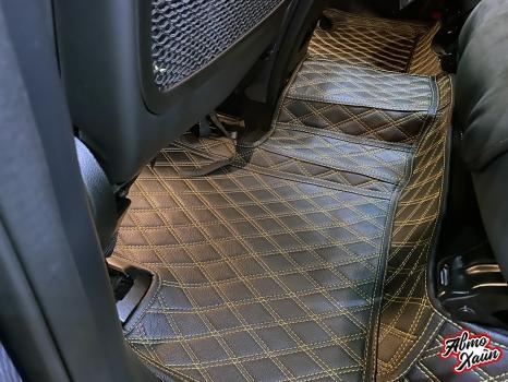 Mercedes-AMG GLE 63. Тиснение на подголовниках_3
