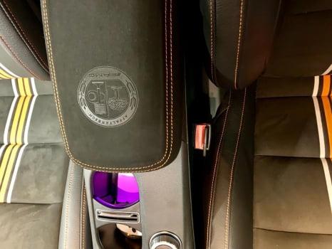 Mercedes-Benz CLA AMG подлокотник_3