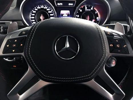Mercedes-Benz ML AMG. Перетяжка руля с клаксоном_6