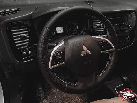 Mitsubishi Outlander. Пошив чехлов, перетяжка руля_6
