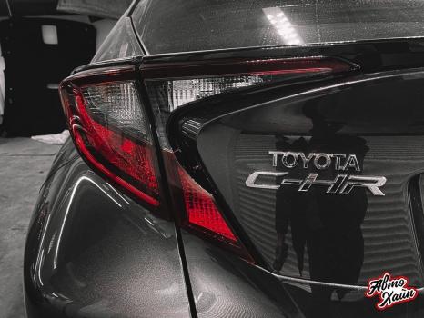 Toyota C-HR. Перетяжка сидений и подлокотников_2