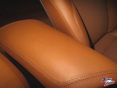 Toyota C-HR. Перетяжка сидений и подлокотников_3