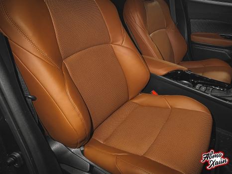 Toyota C-HR. Перетяжка сидений и подлокотников_4