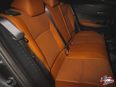 Toyota C-HR. Перетяжка сидений и подлокотников_8