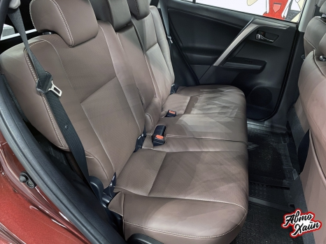 Toyota RAV4. Перетяжка сидений_3