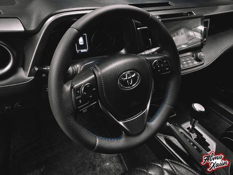 Toyota RAV4 . Установка обогрева и перетяжка руля_3