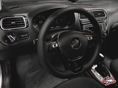Volkswagen Polo. Перетяжка руля с установкой обогрева_5