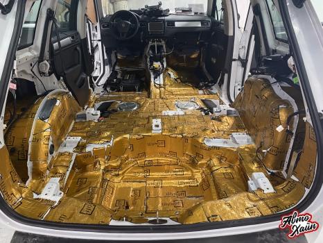 Volkswagen Touareg. Шумоизоляция и полировка_2