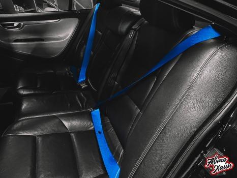 Volvo S60 R. Замена ремней, перетжка руля_6
